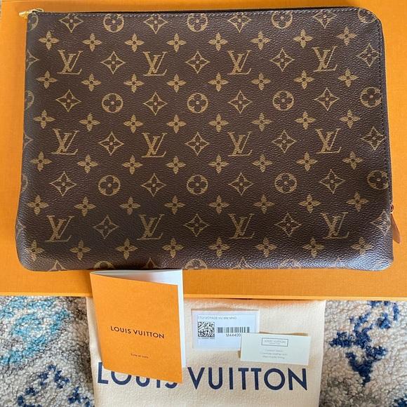 Louis Vuitton Handbags - Louis Vuitton ETUI Voyage MM